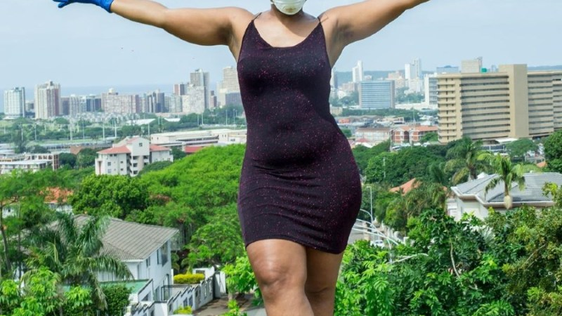 South African Dancer, Zodwa Wabantu Goes Pantless, Bends To Clean Her House With Her Naked Backside (Photos)