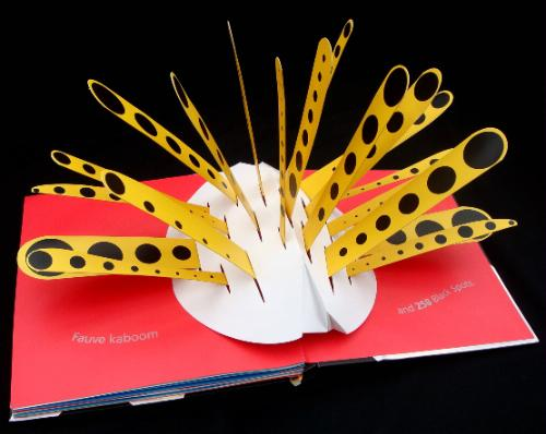 600 Black Spots pop-up book
