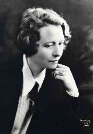 June 6, 1917: Edna St. Vincent Millay Almost Gets Banned from Her Own Graduation