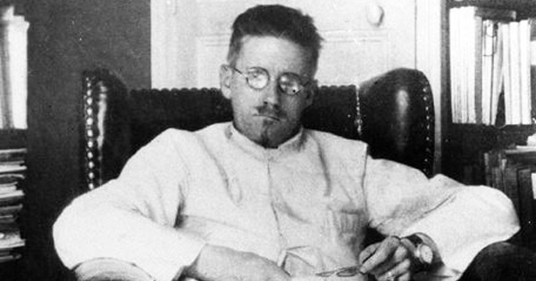 jamesjoyce_whitecoat1.jpg?fit=600%2C315&