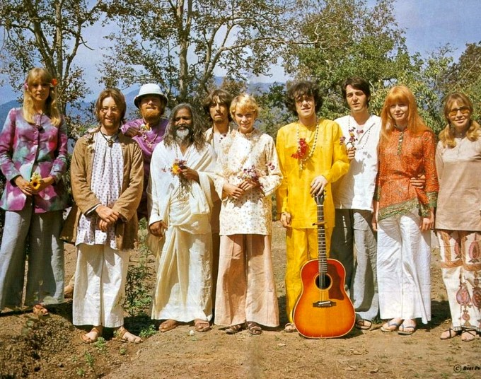 Pattie Boyd Harrison, John Lennon, Mike Love, Maharishi Mahesh Yogi, George Harrison, Mia Farrow, Donovan, Paul McCartney, Jane Asher, Cynthia Lennon in Rishikesh