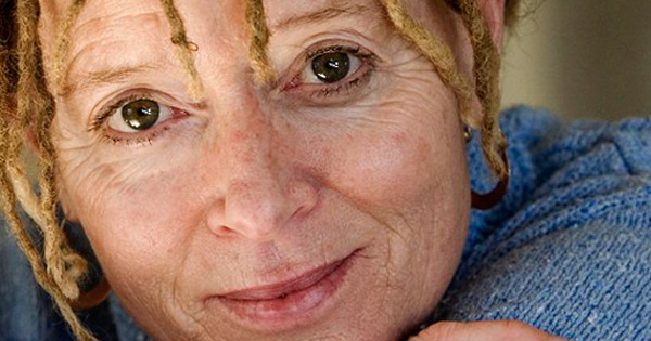 anne lamott essay Shitty first drafts this article is all about writing first drafts and how helpful they can be the author of this wonderful article is ms anne lamott who was previously a restaurant critic and she has also written several novels.