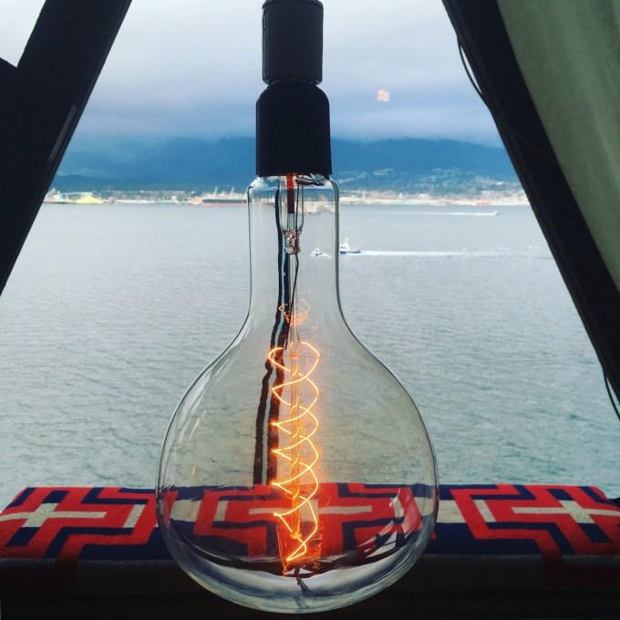 bulb_bymariapopova