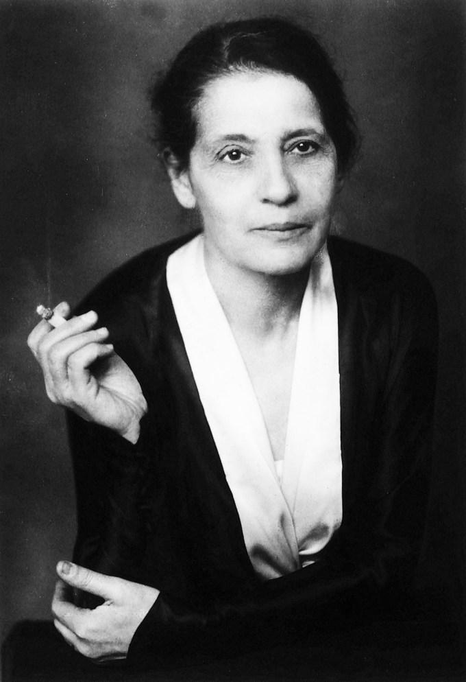 Lise Meitner, 1928