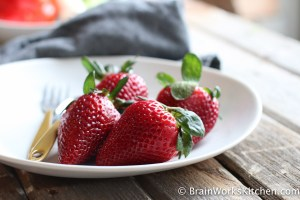 "The antioxidants in strawberries are thought to prevent Alzheimer's + ""brainworkskitchen.com"""