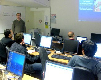 Software training keeping learners alongside