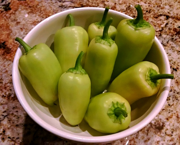[image: bowl of green bell peppers]