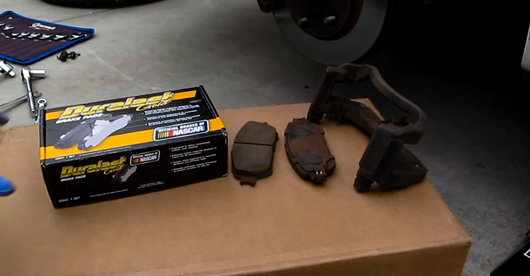 At What Thickness Should Brake Pads Be Replaced FI