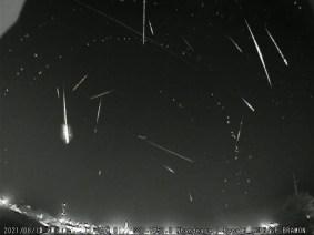 Meteoros registrados em Nhandeara, SP - Créditos: Renato Poltronieri / BRAMON