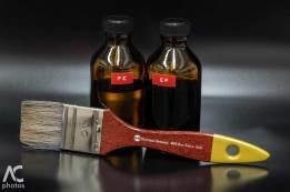 le soluzioni chiuse nelle rispettive bottigliette scure