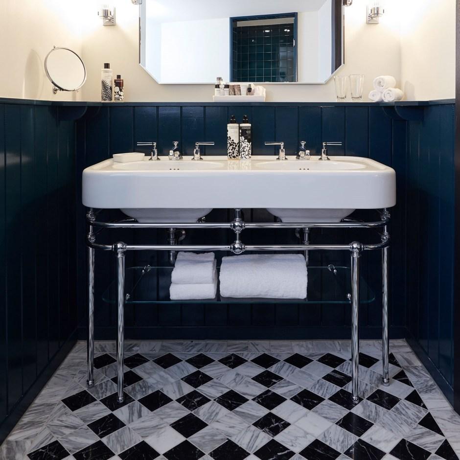 bathroom towels (Soho house Amsterdam)