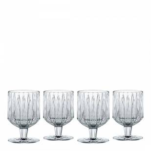 spring tablescape wine goblets