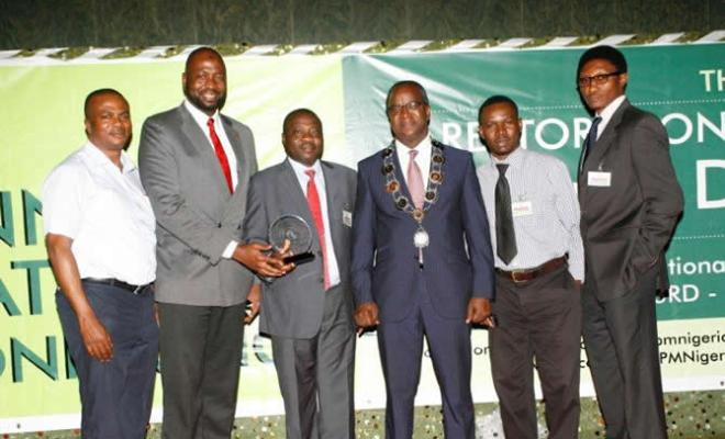 From L - R: Gabriel Afunwa, Human Resources Manager, Airtel Nigeria (North Central); Jubril Saba, Human Resources Director, Airtel Nigeria; Olufemi Oyewole, Regional Operations Director, Airtel Nigeria (North); Mr. Abiola Popoola, President Chartered Institute of Personnel Management of Nigeria (CIPM); Babatunde Oginni, Head: Shared Services, Airtel Nigeria and Otu Umoren, Head: HR Operations & Analysis, Airtel Nigeria at the on-going 44th annual conference of Chartered Institute of Personnel Management of Nigeria at International Conference Centre, Abuja. Airtel was honoured with the Best HR Practice Award within the Telecommunications Sector.