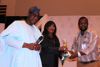 Yomi Badejo Okusanya (right), Songstress, Kenny Saint Brown Ogungbe, and INL Brands&Marketing reporter, Goddie Ofose