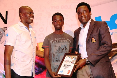 jBOD Member, HDI Youth Maketeers Ltd, Dennis Ogi (c) presenting the Coolest Malt Drink in Nigeria Award to the Brand Manager, Malta Guinness, Wole Adedeji (r), while Chief Executive Officer, HDI Youth Maketeers Ltd, Joko Okupe (l) looks on at the BusinessDay Generation Next Survey Awards