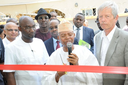 L-R: Mr. Jatin Madan, Chief Operating Officer, Berger Paints; Mr. Godday Okhio, Managing Director, Aspire International Limited; Dr. Oladimeji Alo, Director Berger Paints; Mr. Clement Olowokande, Chairman and Mr.Tor Nygard, Managing Director, both of Berger Paints at the unveiling of New Colour World Outlet in Lekki, Lagos