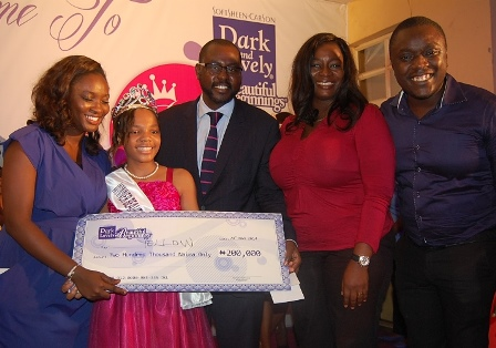 (L-R) Assistant Brand Manager Dark and Lovely, Iretiogo Etsaghara, Beautiful Beginnings Mum & I Pageant Princess, Precious Olatunde, General Manager Consumer Products Division, L'Oreal Central West Africa, Sekou Coulibaly, Human Resources Director, Enitan Ashley-Dejo and the Group Marketing Manager, Ogbemi Kesiena at the grand finale of Dark and Lovely Beautiful Beginnings Mum & I Beauty Pageant for School Children in Lagos.