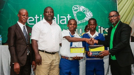 CSR: Etisalat Employees Enlighten Students in Epe on Career