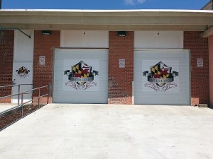 store garage commercial graphics