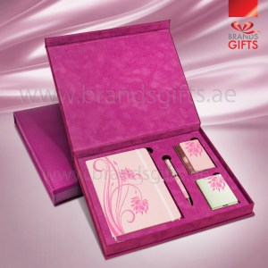 High-Quality Pink Gift Set luxury Promotional Corporate Customized Gifts With Gift Items and Custom PU Leather Box www.brandsgifts.ae