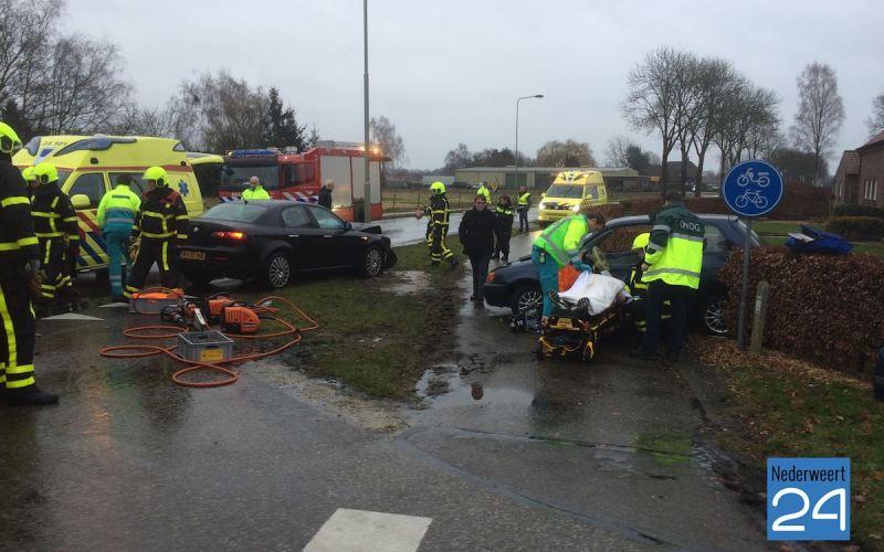 Brandweer naar ongeval Hoofstraat