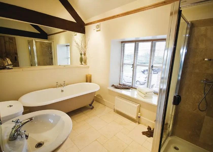 05-brankley-cottage-bathroom