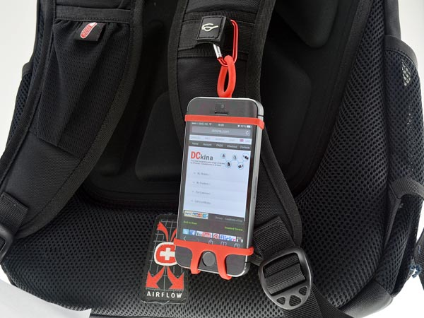 iphone_rubber_strap_for_hiking_outdoor