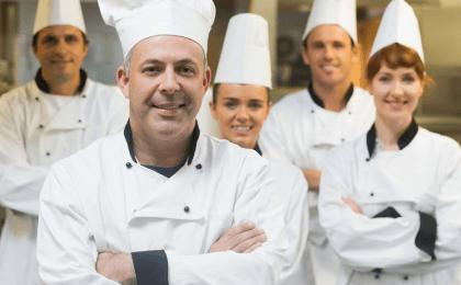 vale a pena contratar cozinheiro acima dos 50 anos?