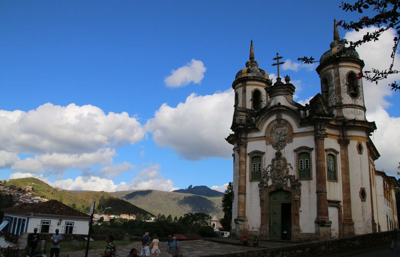 Fachada de la iglesia de São Francisco de Assis, principal obra de Aleijadinho en Ouro Preto. Foto: Virtudes Sánchez