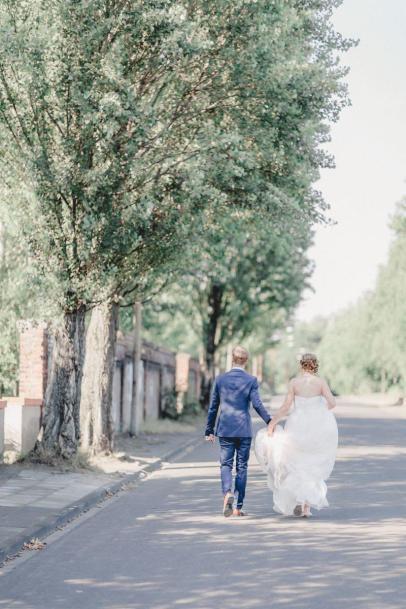 Vergnuegte Hochzeit in Duisburg_IN LOVE Fotografie_ - 17
