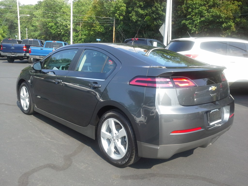 2013_Chevy_Volt_gray_electric car