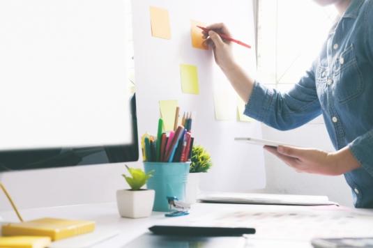 料金体系が分かりにくく、高い費用になりがちだったブランディングをパッケージ化。新サービスや新製品のブランドサイト構築を導入しやすい制作費で実現。