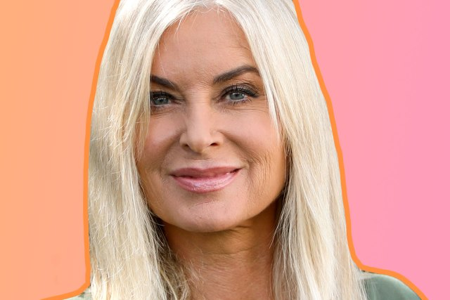eileen davidson gets short haircut: blunt lob with middle