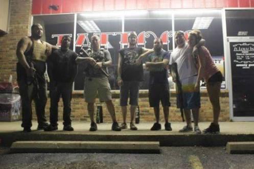 Rifles guarding St. Louis store