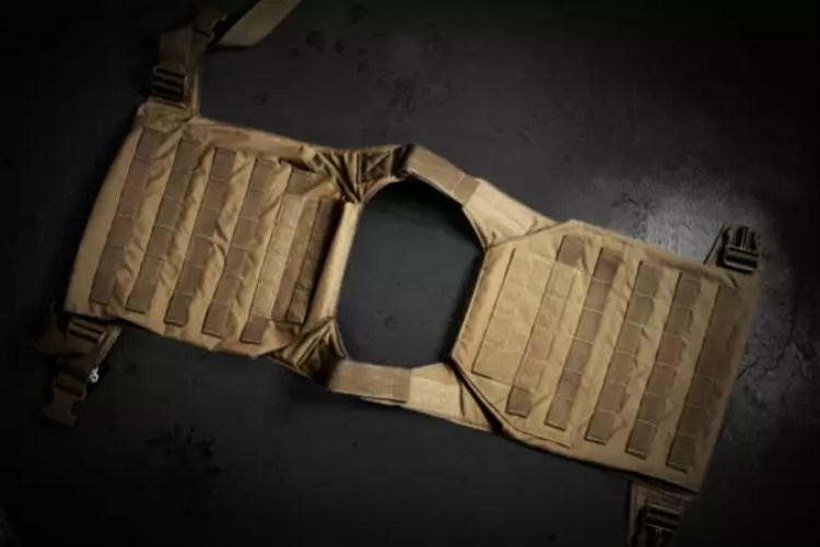 GGG plate carrier layed out, view from above.