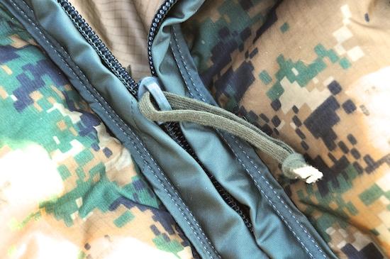 Enhanced_poncho_liner_Zipper_4