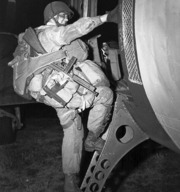 paratrooper-en-route-for-normandy-001