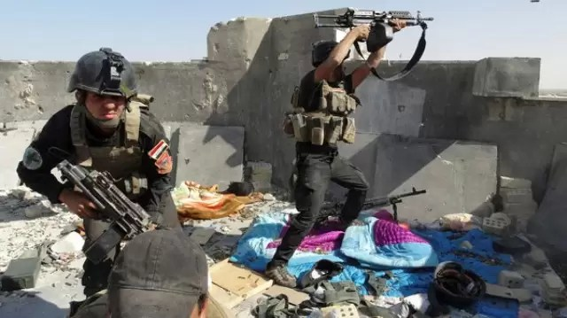 Reuters photo of Iraqi SF fighting ISIS in Ramadi.