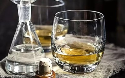 Whisky Better With Water? It's Science!