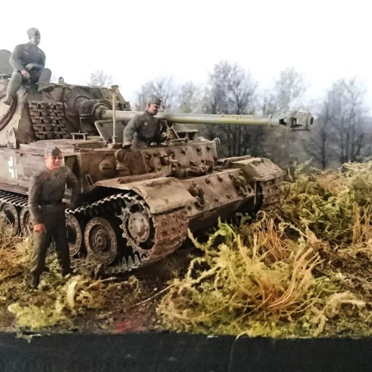 In this installment of tank week: 5 of the best 1/35 scale and other scale model tank modelers around: Panzerjäger Tiger (German Elefant).