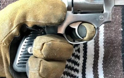 Shooting with gloves on | Know your gear