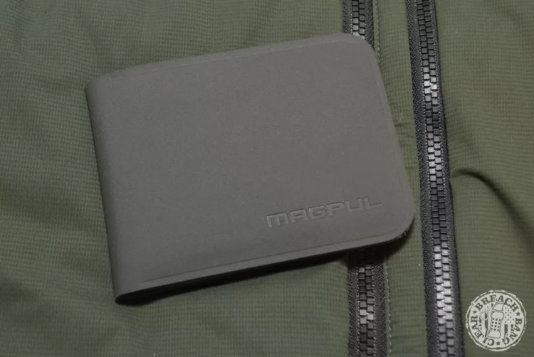 EDC items: Magpul DAKA Bifold, a slim wallet for what you actually need.