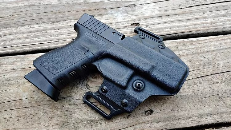Crucial Concealment Covert OWB holster with Glock 19.