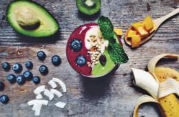 Yin & Yang Layered Raw Vegan Smoothie | Breakfast Criminals