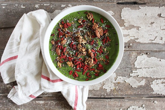 Nutrition Stripped Green Smoothie Bowl