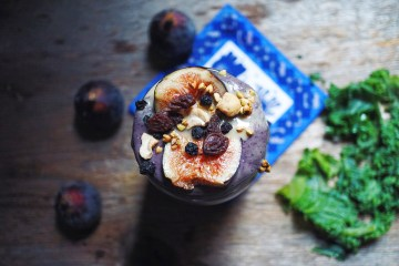 Kale, Fig & Blueberry Oasis Smoothie | Breakfast Criminals