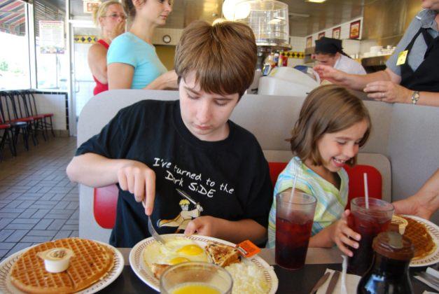 Alek and Lanie - Waffle House, August 26, 2007