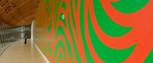 Wall Drawing #880: Loopy Doopy (orange and green) Artist: Sol LeWitt (1928 - 2007). Crystal Bridges Museum of American Art.