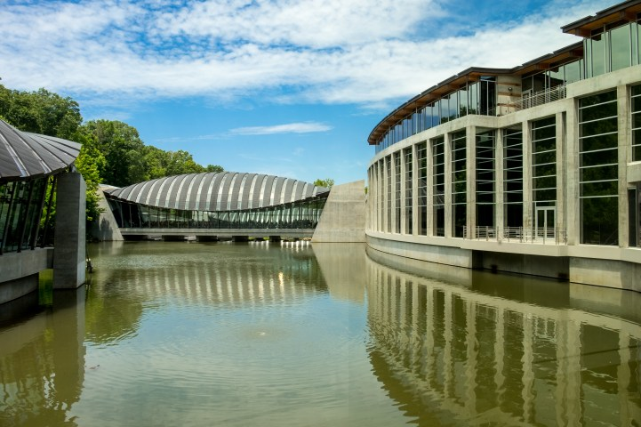 Crystal Bridges Museum of American Art. Copyright © 2017 Gary Allman, all rights reserved.