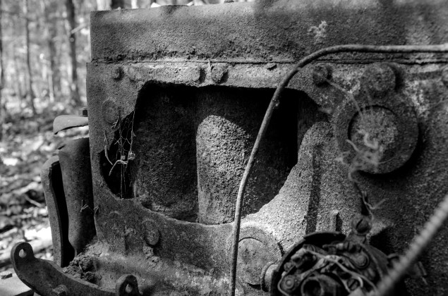 Engine Block -- Busiek 1930s Dodge Humpback Panel Truck